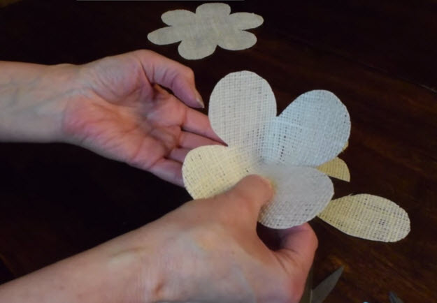 Easy DIY Tutorial   Burlap Roses Patterns   DIY Projects & Crafts by DIY JOY at http://diyjoy.com/how-to-make-burlap-roses-tutorial