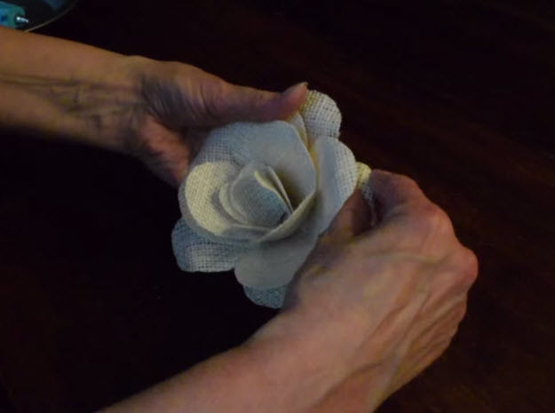 Quick and Easy Craft Projects   Burlap Roses Tutorial   DIY Projects & Crafts by DIY JOY at http://diyjoy.com/how-to-make-burlap-roses-tutorial