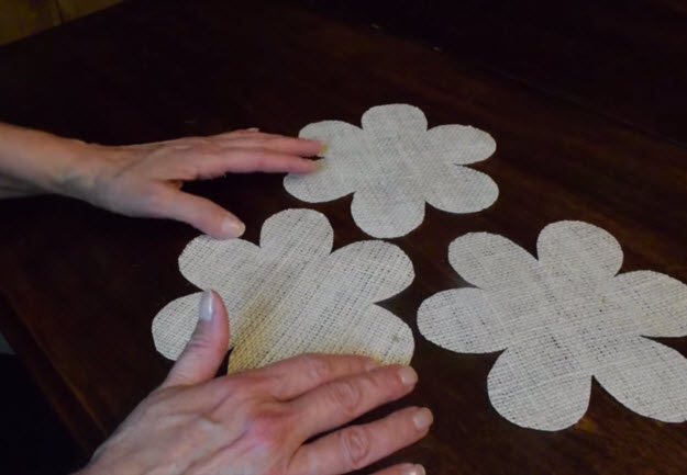 Easy DIY Crafts  Fabric Flowers   DIY Projects & Crafts by DIY JOY at http://diyjoy.com/how-to-make-burlap-roses-tutorial