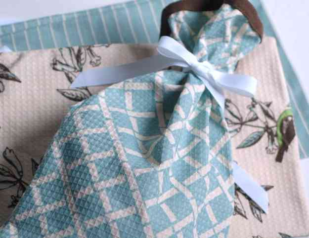 Cute Sewing Ideas - Sewing Under 5 Minutes - DIY Gift Ideas at http://diyjoy.com/quick-sewing-projects-diy-ideas