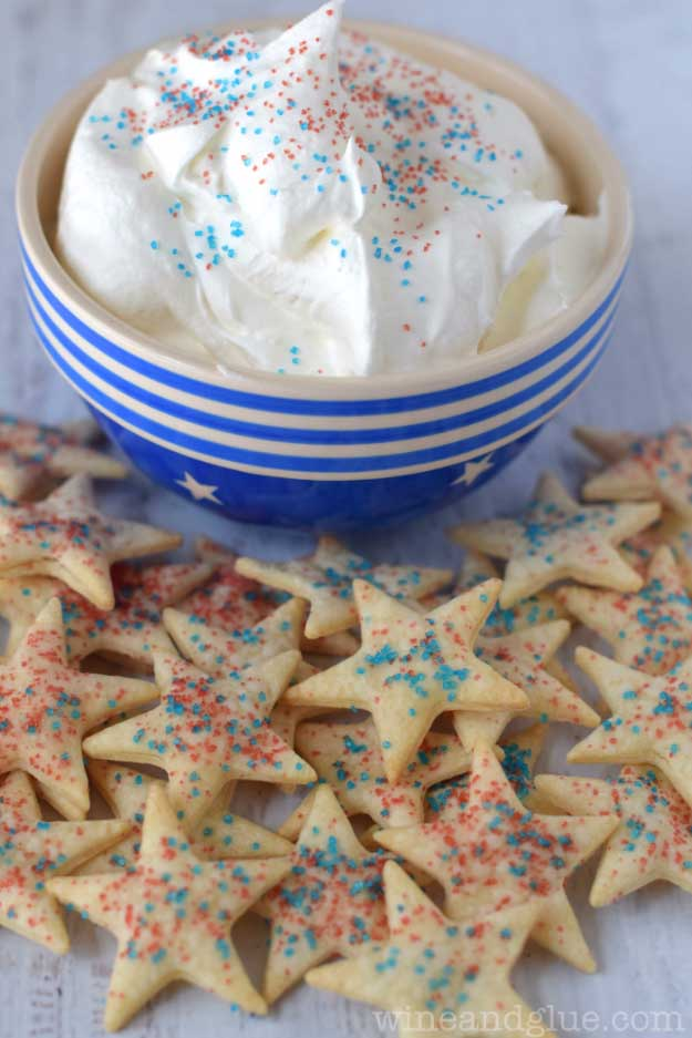 4th of July Dessert Recipe Ideas Pie Crust Dippers | DIY Projects & Crafts by DIY JOY at http://diyjoy.com/4th-of-july-desserts-pinterest
