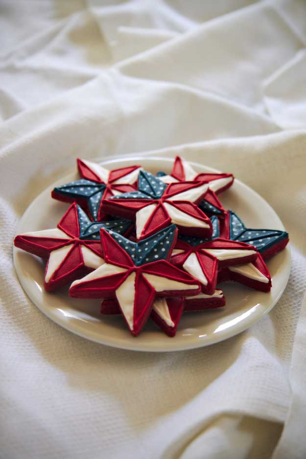 4th of July Desserts Red Velvet Cookie Recipe | DIY Projects & Crafts by DIY JOY at http://diyjoy.com/4th-of-july-desserts-pinterest