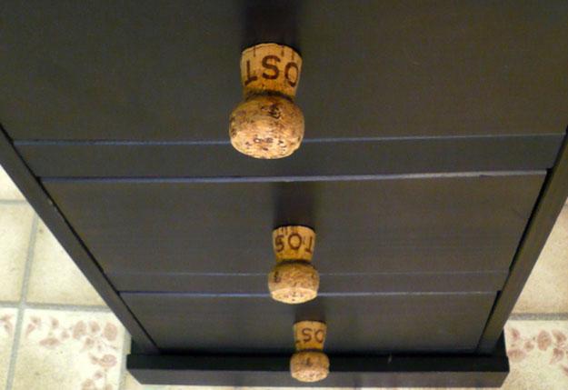 Easy Wine Cork Crafts for DIY Home Decor - Champagne Cork DIY Dresser Pulls - DIY Projects & Crafts by DIY JOY #crafts