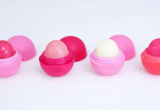 Easy DIY Makeup Tutorials   How to Make EOS Lip Balm   DIY Projects & Crafts by DIY JOY at http://diyjoy.com/diy-eos-lip-balm-recipe