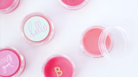 Make Incredible Homemade Lip Balm in 5 Minutes or Less   DIY Joy Projects and Crafts Ideas