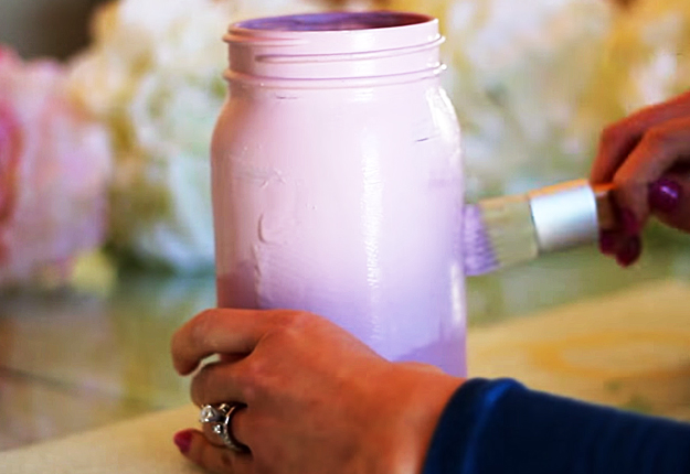 DIY Projects & Crafts by DIY JOY at http://diyjoy.com/mason-jar-crafts-diy-chalk-painted-jars