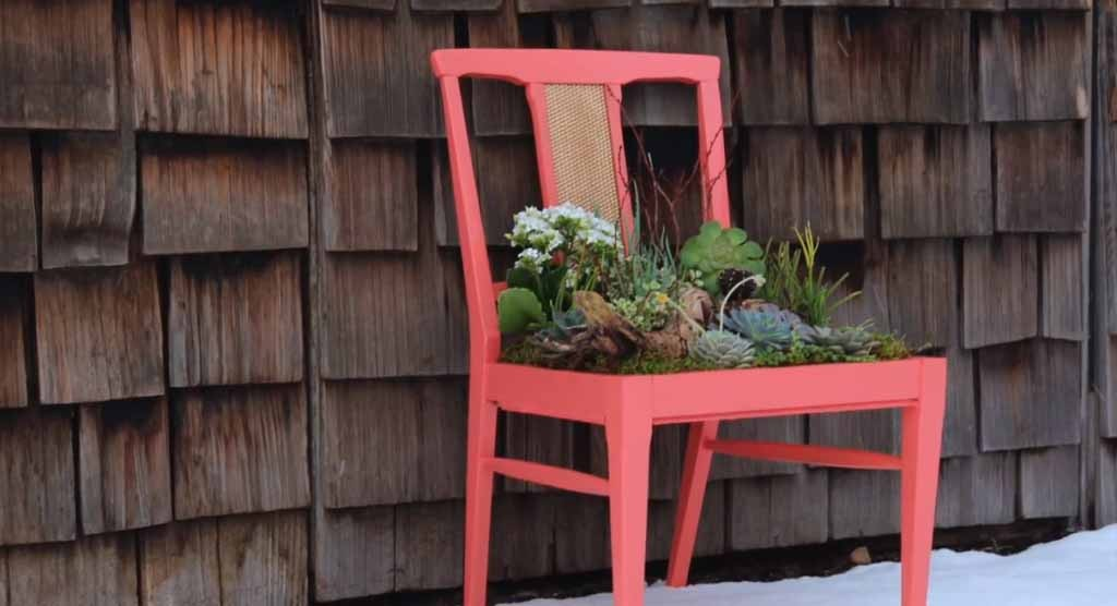 DIY Succulent Planter Tutorial | Easy Upcycling Ideas for Home Decor at http://diyjoy.com/backyard-ideas-diy-planter-box