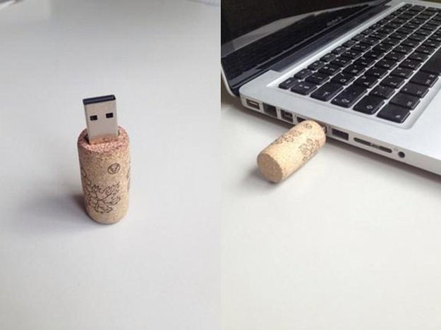 Small Wine Cork Crafts for DIY Gift Ideas - DIY Wine Cork USB's - DIY Projects & Crafts by DIY JOY #crafts