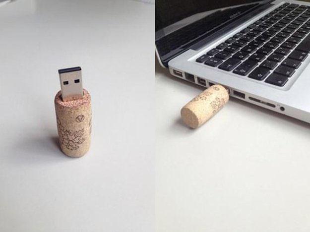 Small Wine Cork Crafts for DIY Gift Ideas - DIY Wine Cork USB's - DIY Projects & Crafts by DIY JOY #crafts