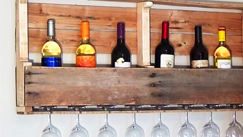 DIY Wood Pallet Wine Rack | DIY Joy Projects and Crafts Ideas