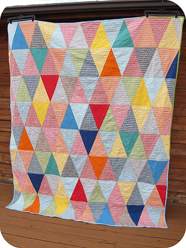 Free Quilt Pattern for Beginners | DIY Picnic Blanket Quilt Tutorial | DIY Projects & Crafts by DIY JOY at http://diyjoy.com/free-quilt-patterns-easy-sewing-projects