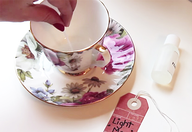 Cool DIY Craft Projects for the Home | Rustic Home Decor Ideas | Easy DIY Candles Recipe | DIY Projects and Crafts by DIY JOY at http://diyjoy.com/how-to-make-candles-in-teacups