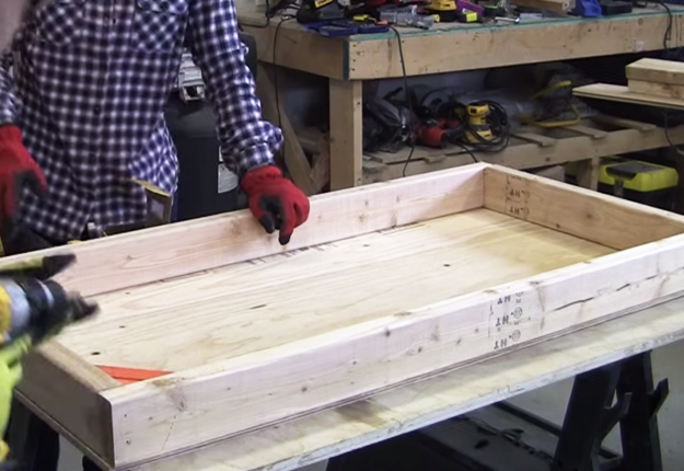 How-to-Build-Cornhole-Toss-Boards-6   DIY Projects & Crafts by DIY JOY at http://diyjoy.com/diy-games-how-to-make-cornhole-boards