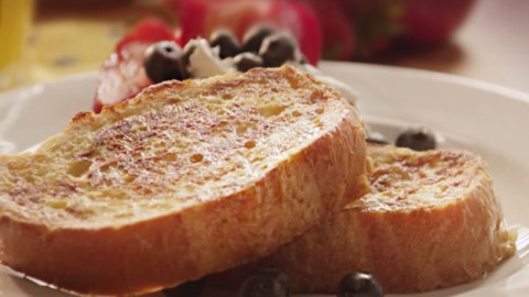 How to Make French Toast | DIY Joy Projects and Crafts Ideas