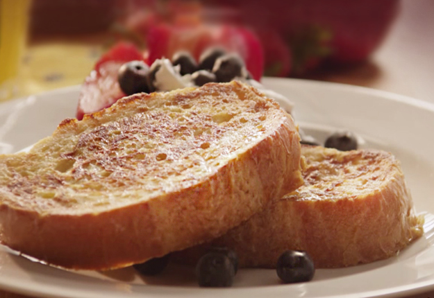 How to Make French Toast | Best Sweet Breakfast Recipes | Easy French Toast Recipe | DIY Projects and Crafts by DIY JOY at http://diyjoy.com/how-to-make-french-toast-easy-recipes