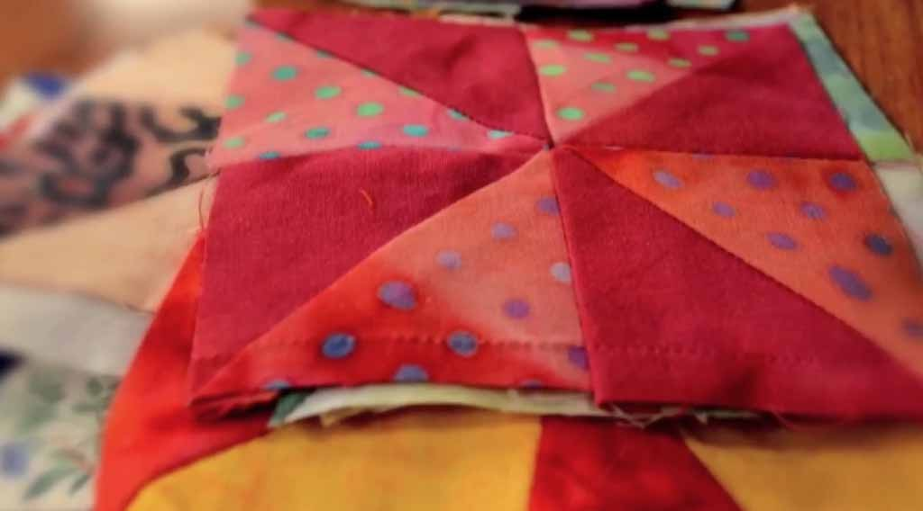 Easy Sewing Projects | Free Quilt Patterns | DIY Quilt Block Tutorial | DIY Projects and Crafts by DIY JOY at http://diyjoy.com/how-to-sew-quilt-blocks-tutorial