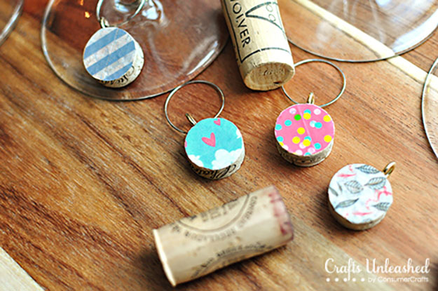 Easy DIY Wine Cork Ornaments for Wine Glasses - DIY Wine Glass Charms - DIY Projects & Crafts by DIY JOY #crafts