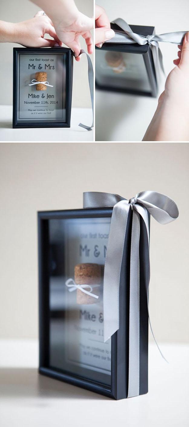 Wine Cork DIY Shadowbox for a Wedding Gift - Wine Cork DIY Memory Box - DIY Projects & Crafts by DIY JOY #crafts