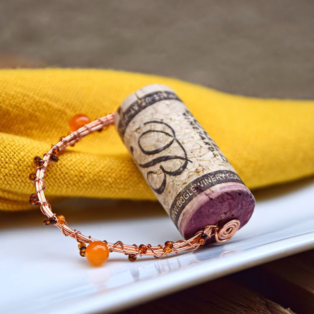 Easy Wine Cork Crafts for Kitchen Decor - Wine Cork DIY Napkin Rings - DIY Projects & Crafts by DIY JOY #crafts
