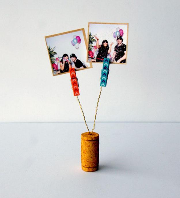 Easy Wine Cork Crafts Picture Holder - DIY Wine Cork Clothespin Picture Holder - DIY Projects & Crafts by DIY JOY #crafts