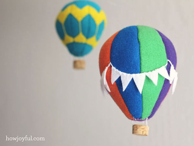 Wine Cork Crafts for Kids Room Decor - DIY Wine Cork Hot Air Balloon Mobile - DIY Projects & Crafts by DIY JOY #crafts