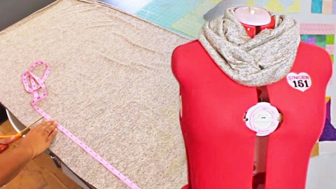 Make An Adorable Infinity Scarf In Just 8 Easy Steps!   DIY Joy Projects and Crafts Ideas