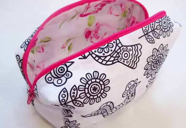 Cool Crafts for Teens | DIY Makeup Bag Tutorial | Easy Sewing Project for Beginners | DIY Projects & Crafts by DIY JOY at http://diyjoy.com/easy-sewing-projects-diy-make-up-bag