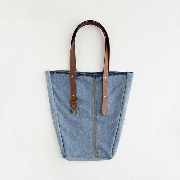 Easy Sewing Projects for Women   DIY Denim Tote Bag   DIY Projects & Crafts by DIY JOY #sewingideas #denim #upcycling