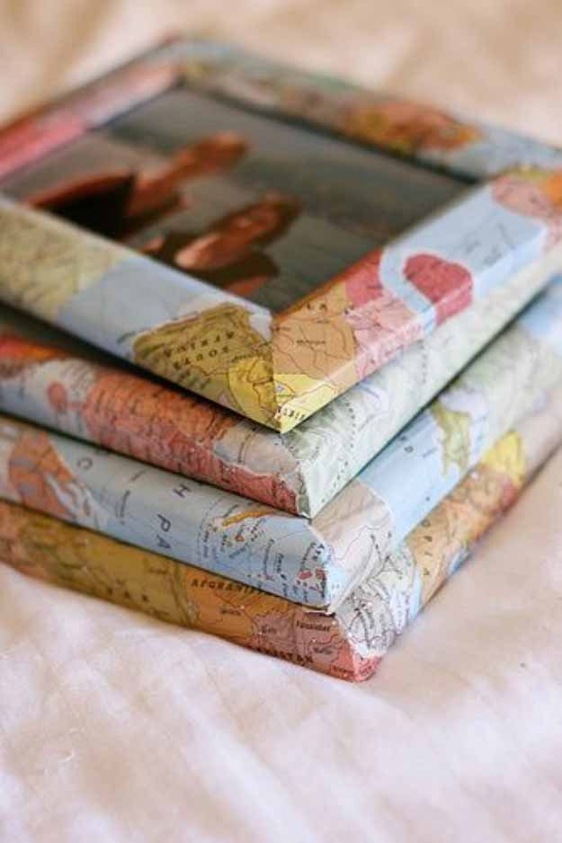 Quick and Easy Crafts | DIY Picture Frame with Maps #diy #crafts
