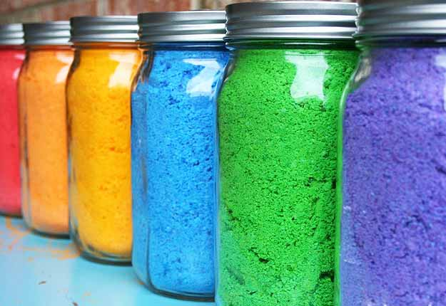 DIY Outdoors Kids Games for a Party - DIY Colored Powders - DIY Projects & Crafts by DIY JOY at http://diyjoy.com/fun-outdoor-crafts-for-kids