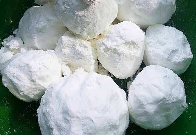 DIY Kids Outdoors Games - DIY Snowball Fight in Summer - DIY Projects & Crafts by DIY JOY at http://diyjoy.com/fun-outdoor-crafts-for-kids