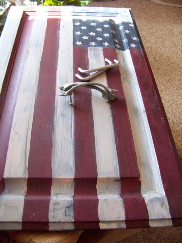 Rustic DIY Ideas With the American Flag | Patriotic Flag Country Crafts and  DIY Projects for the Home and Backyard | Cabinet Door Upcycled into American Flag DIY Tray | http://diyjoy.com/diy-projects-decor-american-flag