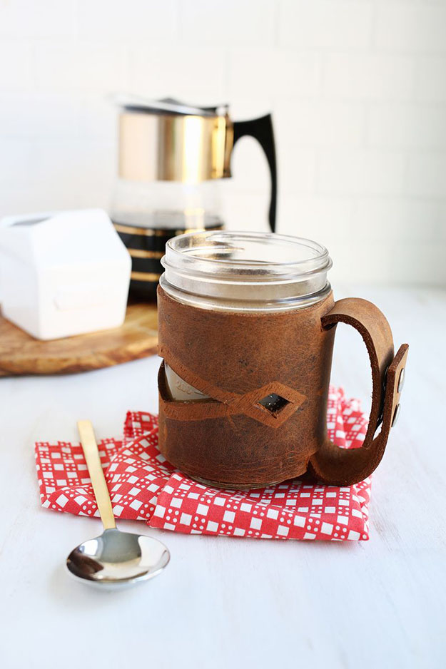 Easy Mason Jar Crafts | Quick DIY Gifts for Men | DIY Projects & Crafts by DIY JOY at http://diyjoy.com/cheap-diy-gifts-ideas