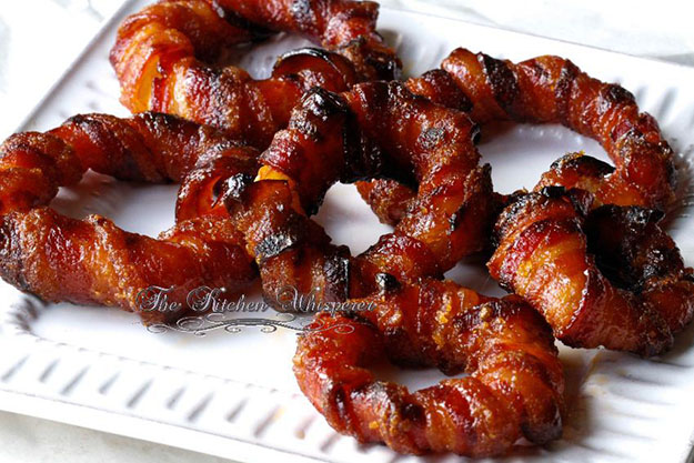 Cheap Party Food Ideas | Candied Bacon Wrapped Onion Rings | DIY Projects & Crafts by DIY JOY #appetizers #partyfood #recipes