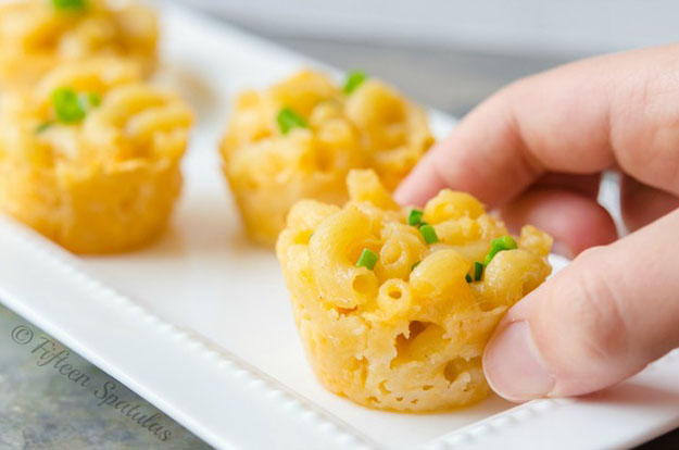 Easy Party Food Ideas | Macaroni & Cheese for a Crowd | DIY Projects and Crafts by DIY JOY #appetizers #partyfood #recipes