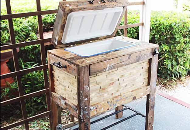 Cool patio furniture ideas Cushions Easy Pallet Project Ideas Diy Outdoor Furniture Tutorials Diy Rustic Cooler Box Diy Diy Joy How To Build Rustic Cooler Box