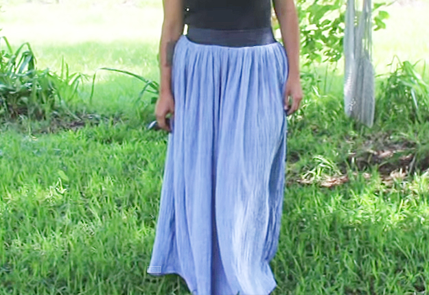 Easy Sewing Ideas for Beginners | DIY Clothes for Women | How to Make a Maxi Skirt | DIY Projects & Crafts by DIY JOY at http://diyjoy.com/diy-fashion-how-to-make-a-maxi-skirt