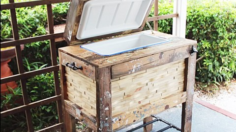 How To Build A Rustic Cooler Box