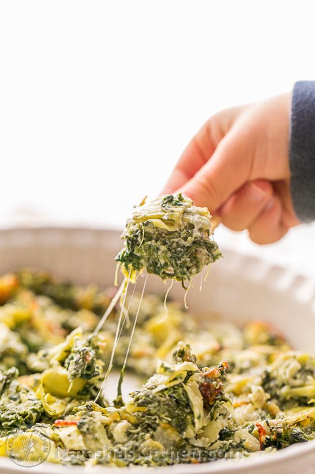 Easy DIY Party Food Ideas | Spinach and Artichoke Recipe for a Crowd | DIY Projects and Crafts by DIY JOY #appetizers #partyfood #recipes