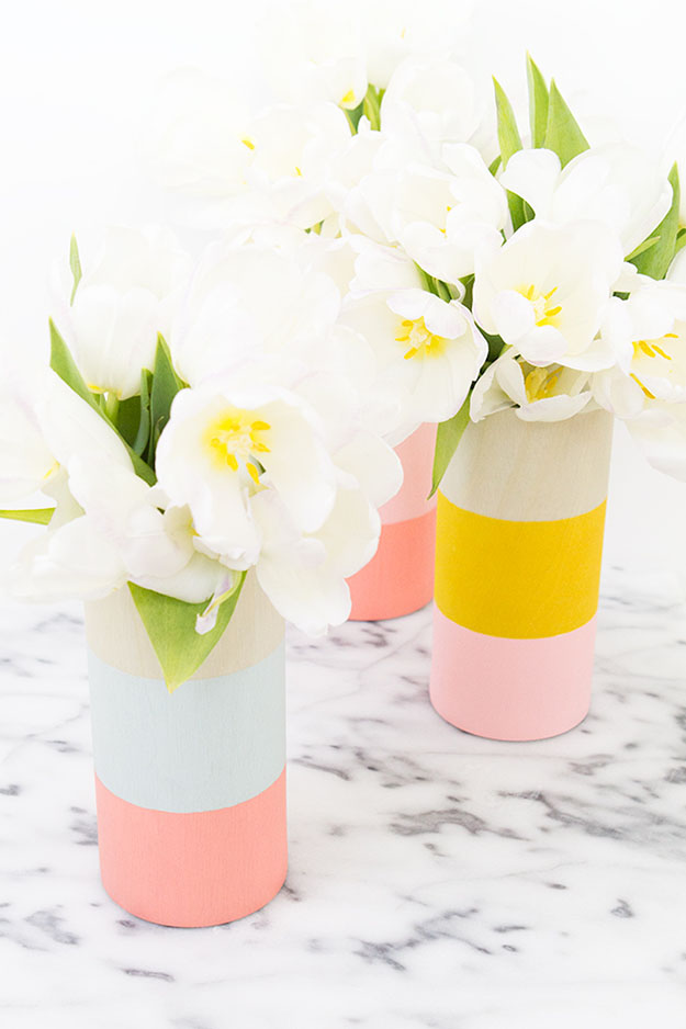 Best DIY Gift Ideas | Easy Crafts for the Home | DIY Wood Block Vases | DIY Projects & Crafts by DIY JOY at http://diyjoy.com/cheap-diy-gifts-ideas
