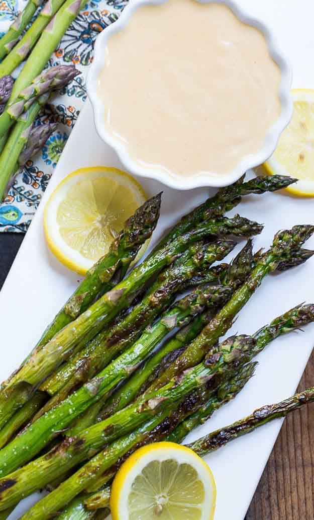 Healthy Vegetable Grilling Recipes | Easy Grilled Asparagus Recipe | DIY Projects & Crafts by DIY JOY at http://diyjoy.com/grilling-recipes-diy-bbq-ideas