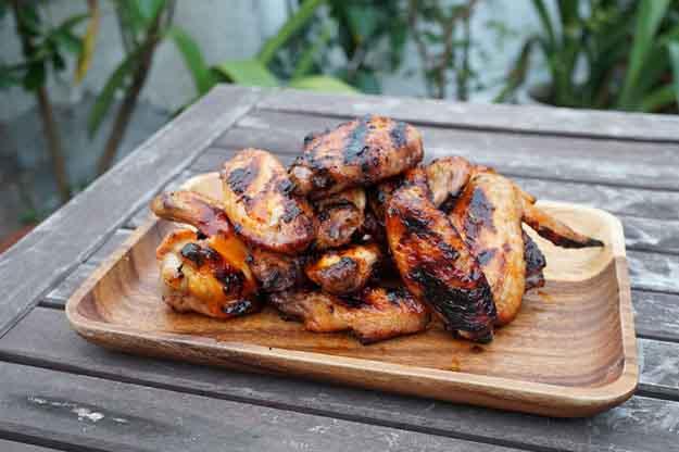 Best Chicken Grilling Recipes | Easy BBQ Chicken | Grilled Honey Sriracha Chicken Wing Recipe | DIY Projects & Crafts by DIY JOY at http://diyjoy.com/grilling-recipes-diy-bbq-ideas