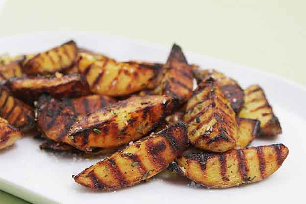 Vegetable Grilling Recipes | BBQ Side DIsh Recipes | Grilled Potatoes with Rosemary & Sea Salt | DIY Projects & Crafts by DIY JOY at http://diyjoy.com/grilling-recipes-diy-bbq-ideas