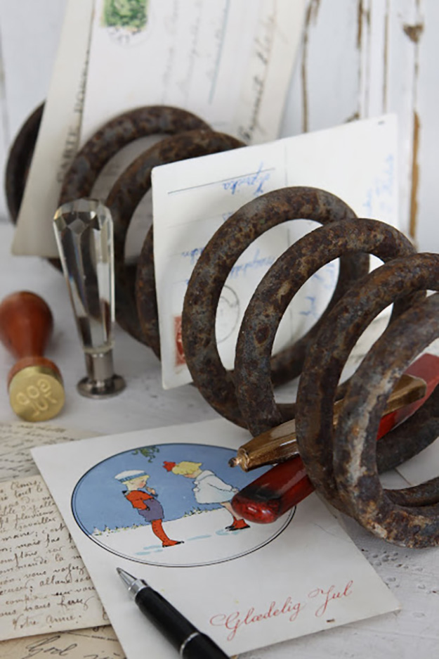 Old Car Parts Ideas - Car Springs Upcycled into Mail Organizers - DIY Seat Belt Buckle Keychain - DIY Projects & Crafts by DIY JOY #diy