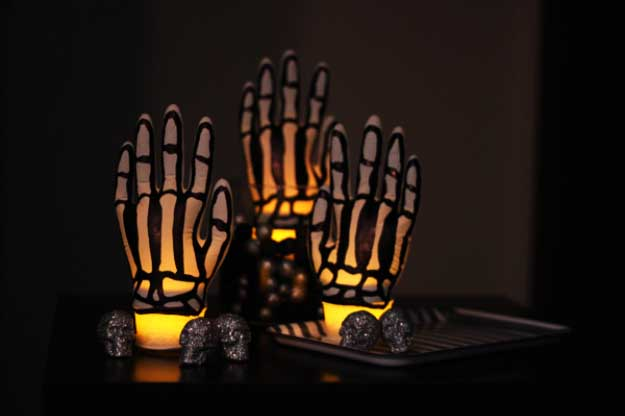 Easy DIY Halloween Decorations   Quick Ideas for Adults, Kids and Teens   SPOOKY SKELETON HANDS