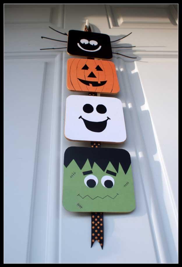 Easy DIY Halloween Decorations   Quick Ideas for Adults, Kids and Teens   Halloween Door Hanger