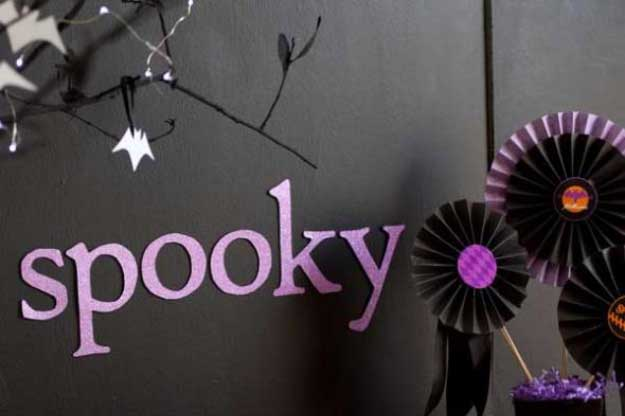 Easy DIY Halloween Decorations   Quick Ideas for Adults, Kids and Teens   glam wall Halloween paper decorations