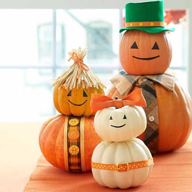 Easy DIY Halloween Decorations   Quick Ideas for Adults, Kids and Teens   Costumed Pumpkin Family Halloween Decor