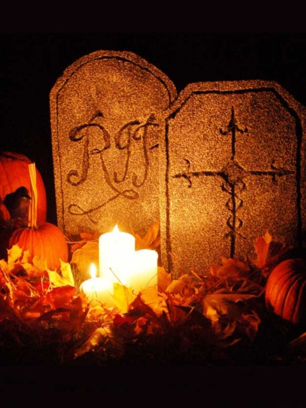 Easy DIY Halloween Decorations   Quick Ideas for Adults, Kids and Teens   Scary Yard Tombstones