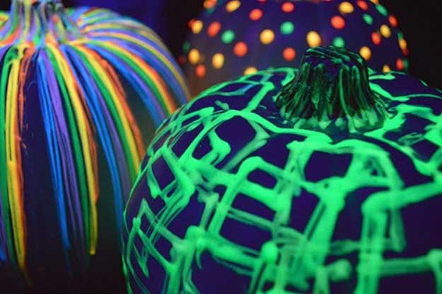 Easy DIY Halloween Decorations   Quick Ideas for Adults, Kids and Teens   Glow in The Dark Pumpkins